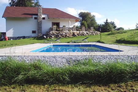 Chaty a chalupy s bazénem k pronajmutí - chalupa s bazénem v Albrechticích v Jizerských horách